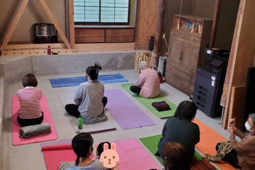 ヨガ教室*浜松鴨江クラス〜子育て世代からシニアさんまでが集う場所〜